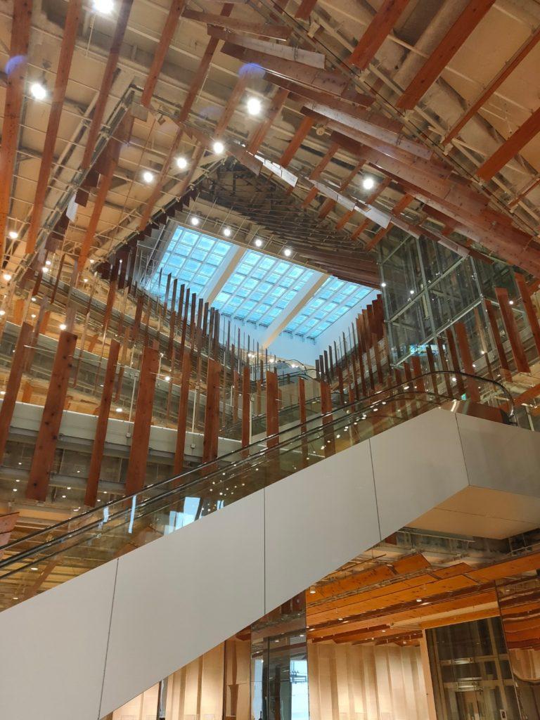 富山市立図書館